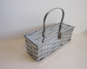50s purse / Silver Awaits Vintage 1950's Metal Weave Basket Box Purse