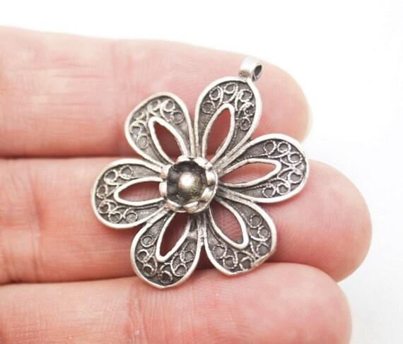 1pc- Matte Silver Plated Flower Pendant-35x30mm (411-027SP)
