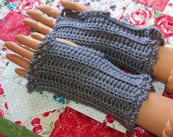 Crochet fingerless gloves - charcoal gray
