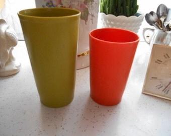 2 Retro Colors Tupperware Tumblers Orange and Green
