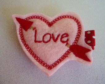 Valentines Day Felt Hair Clip, Toddlers Hair Clips, Girls Hair Bows, Love Hair Clip, Hair Clippies, Valentines Day, Heart (Item 14-005)