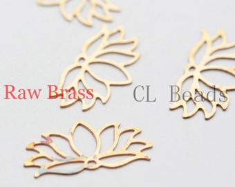 30pcs Raw Brass Filigree Pendants - Lotus 20x10mm (267C-U-80)