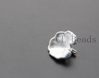 2pcs Matte Silver Plated Brass Base Flower Charms - 13.7x12.6mm (1225C-M-331)