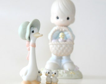 Vintage 1985 Precious Moments Porcelain Figurine-Honk If You Love JESUS