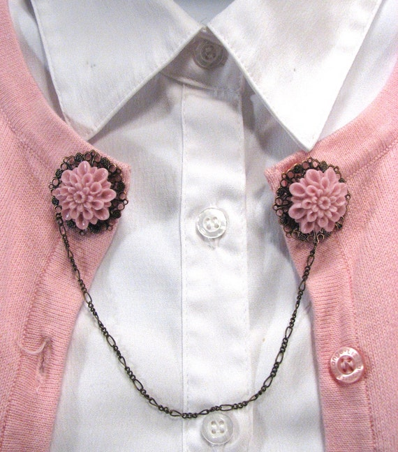 1950s Sweaters, 50s Cardigans, Twin Sweater Sets Sweater Guard Dusty Rose Pink Mum Cabochon Vintage Inspired Jewelry $16.00 AT vintagedancer.com