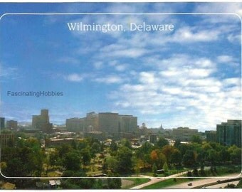 DELAWARE - DOWNTOWN WILMINGTON Skyline - Mint condition - real Photo by Pulling-  Colorful Postcard,  printed in the States - years 1980