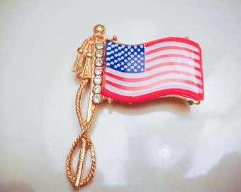 Vintage American Flag Gold Toned Pin Brooch
