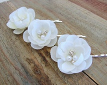 Small White Bridal Hair Pins Flower Fascinator Wedding Accessories Rhinestone Pearls Head Piece Silk Flower Clips Bride Floral Pins 0251M210