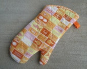 Retro - Orange - Food - Oven Glove - Oven Mitt - Pot Holder - Tan - Hostess Gift - Kitchen Decor - Mom Gift - Housewarming