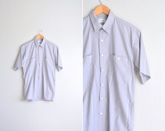 SALE / vintage men's '90s light grey STRIPED short sleeve OXFORD button-up shirt. size m.