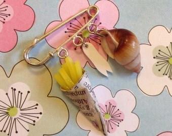 Brighton Beach Mini Kilt Pin