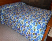 Turquoise and chartreuse Chenille bedspread