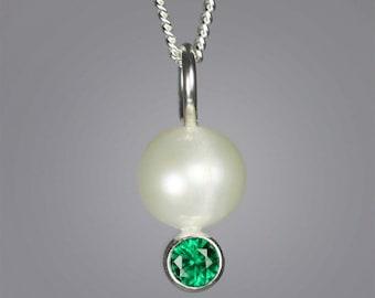 Pearl Drop Neck w-Stone (Emerald)