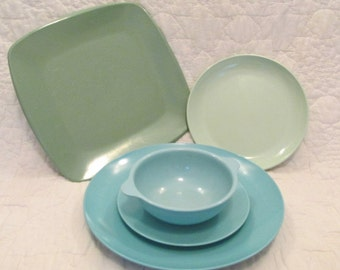 Mid Century Plastic Dishes all marked Turquoise and green 5 pieces Sale