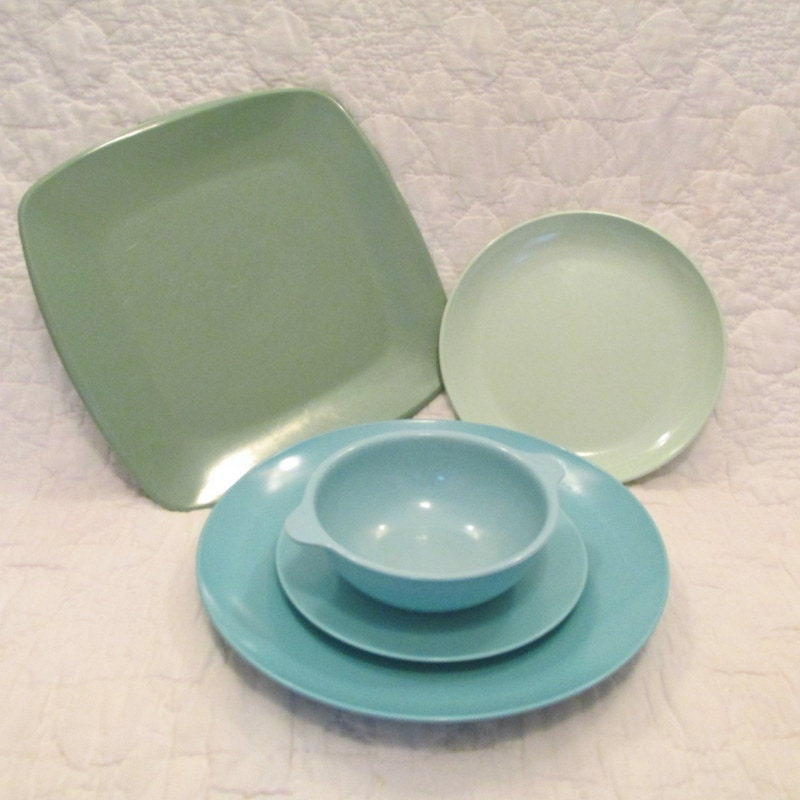 Mid Century Plastic Dishes all marked Turquoise and green 5