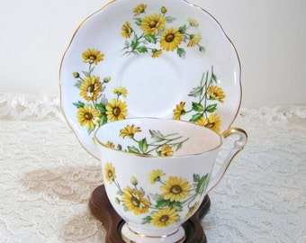 Princess Anne Fine Bone China Teacup And Saucer Yellow Daisies