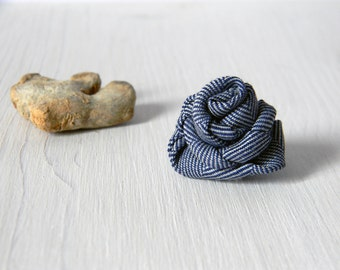 Mens flower lapel pin | Herringbone boutonniere | Men lapel flower | Blue white twilled cotton fabric buttonhole. Pick your size
