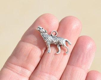 BULK 20  Silver Howling Dog Charms SC2919