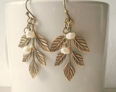 Leaf Earrings Pearl Leaf Earrings Bridesmaid Earrings Gold Pearl Leaf Earrings Bridesmaid Earrings Wedding Jewerly Gold Leaves with Pearls