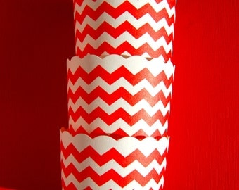 Scallop Baking Cups in Red Chevron (12)