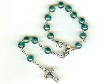 Pope Francis' Crucifix on Single Decade Handmade Rosary in Pale Forest Green for Car Mirror