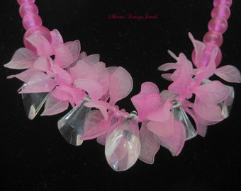 Vintage  Chunky  Lucite  Pink Necklace  1950s Pinup Girls Frosted  Beads Leaves and Clear Geometric Forms