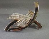 Vintage Modernist Goldtone Pave Crystal Rhinestone Brooch