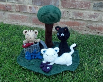 Crocheted Alley Cats