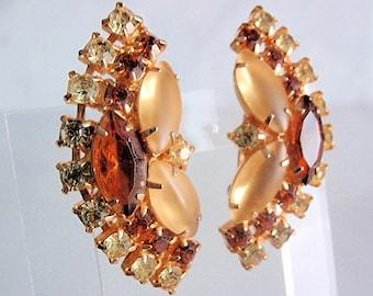 1950's Earring, Amber Colored Rhinestones, goldtone, lemon, dark brownest amber & Peridot rhinestones