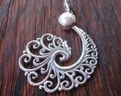Bali Sterling Silver white pearl Pendant / Balinese handmade jewelry / Silver 925 / 1.75 inch long