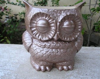 Tootsie Pop Owl Garden Planter  Cocoa Brown