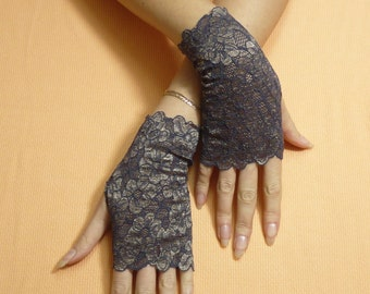 Short Gothic Fingerless Gloves in Purple a. Golden Beige, Steampunk Mittens, Baroque, Victorian Lace Armwarmers in Gypsy and Boho Style