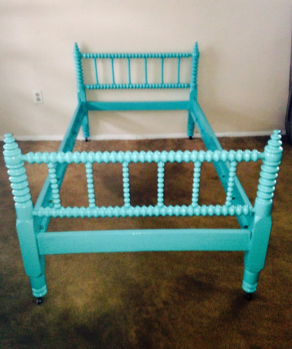 Azure Solid Maple Antique Jenny Lind Twin Bed