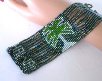 vintage hand beaded 1970's souvenir HAWAII cuff bracelet - family heirloom