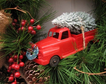SALE!!!..Bringing Home The Tree, Christmas Wreath With Vintage Truck.
