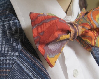 Abstract Pattern Bow Tie