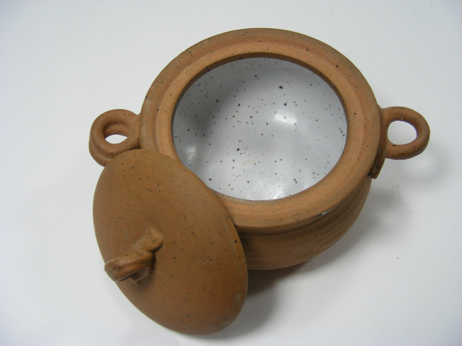 Small brown clay pot with lid for Small clay pots