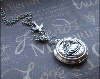 Silver Leaf Locket Necklace - Enchanted Forest - Jewelry By TheEnchantedLocket - PERFECT Christmas Birthday Wedding Wife Gift