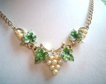 Pearl Green Grapevine Leaf  Necklace Gold Tone