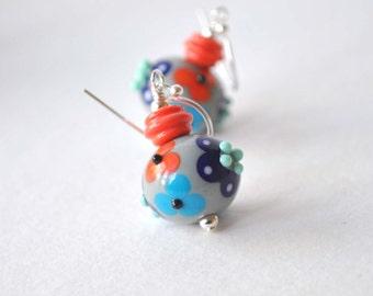 Flower Earrings, Lampwork Earrings, Gray Earrings, Glass Earrings