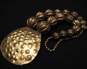 GIANT Antique Runway Brutalist Heavy Brass Hammered Paddle Medallion Ball Graduated Bench Bead Necklace