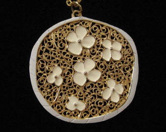 White Enamel Funky Flowers Mod Pendant Necklace