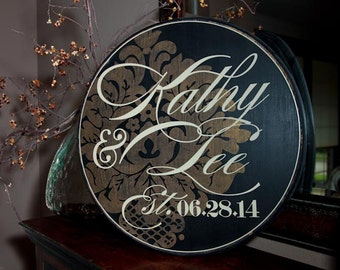 "24"" Round Sign - Personalized Couple Signage with Flourish - Wedding Style"