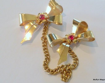 Coro Chatelaine Double Bow Brooches Red Rhinestones
