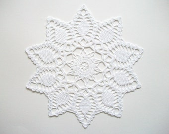 White Crochet Doily Cotton Lace Runner with Closed Pineapple Pattern Heirloom Quality