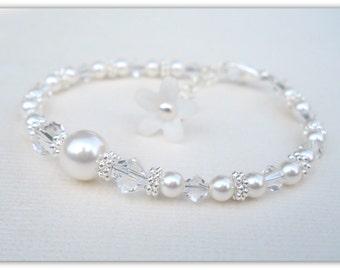 Beautiful Swarovski Pearl and Crystal Bracelet B169