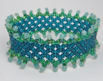 POOL OF FANTASY Stretch Bracelet - Aqua Blue and Green Seed Bead Bracelet - Woven Bead Jewelry - Hand Beaded Netting Bracelet Cuff -One Size