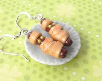 Mummy hot dog earrings