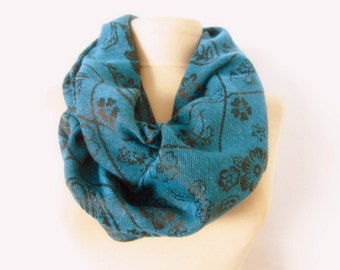 Emerals scarf // Pashmina scarf // Infinity scarf // Circle Scarves // soft scarf
