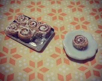 1:12 Scale Cinnamon Rolls - Miniature Food Dollhouse Breakfast